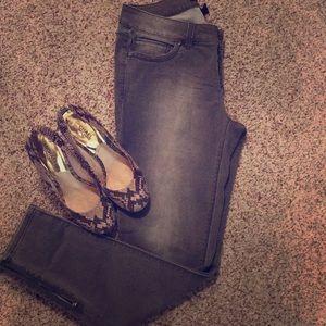 WHBM skimmer Greywash jeans!